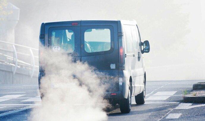Dohodnuto: EU našla shodu na míře omezení emisí u automobilů