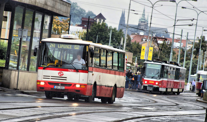 Dopravní podnik přišel o půl miliardy na investice