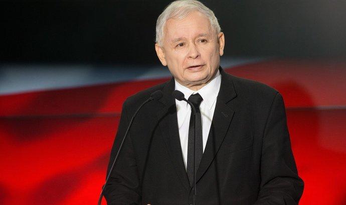 Smutný, zatvrzelý muž v černém: Jarosław Kaczyński
