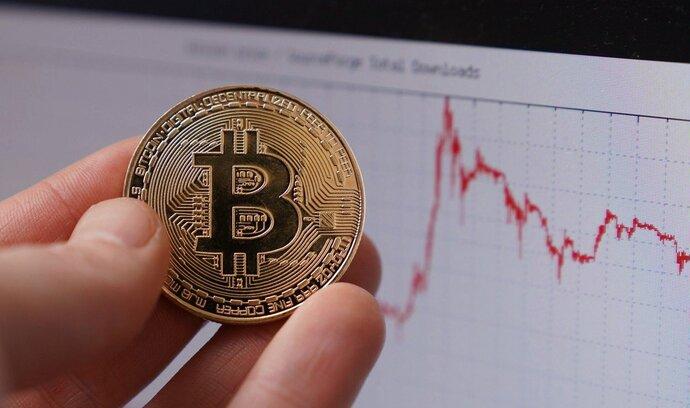 Bitcoin hledá dno. Přesto se najdou hlasy, které jeho kurzu věští nový růst
