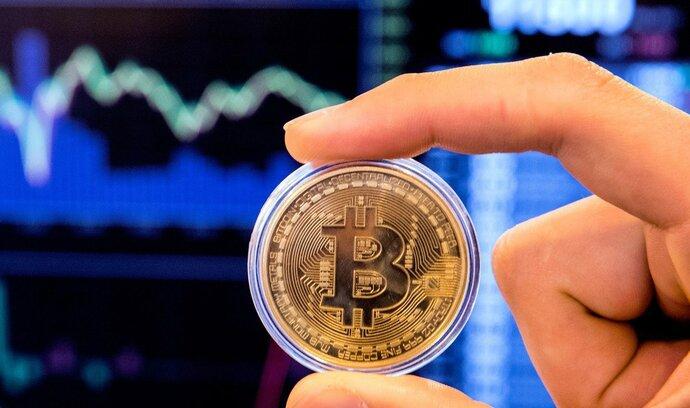 Bitcoin není v propadu sám. Která kryptoměna nejvíce klesla? Sledujte vývoj kurzů