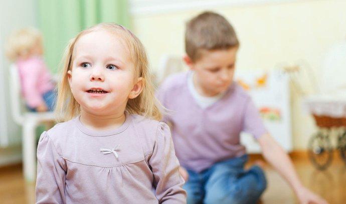 Kolik spoří čeští rodiče svým dětem? 1200 korun měsíčně