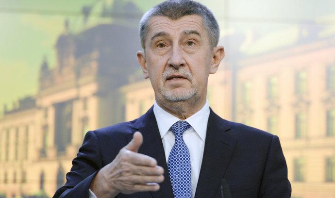 Babiš odmítá vyšší daň pro banky, s Hamáčkem se přesto brzy sejde