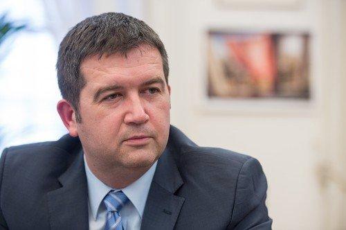 Co čekat od nového šéfa ČSSD? Nikdo v podzimních volbách nečeká zářné vítězství, tvrdí Hamáček