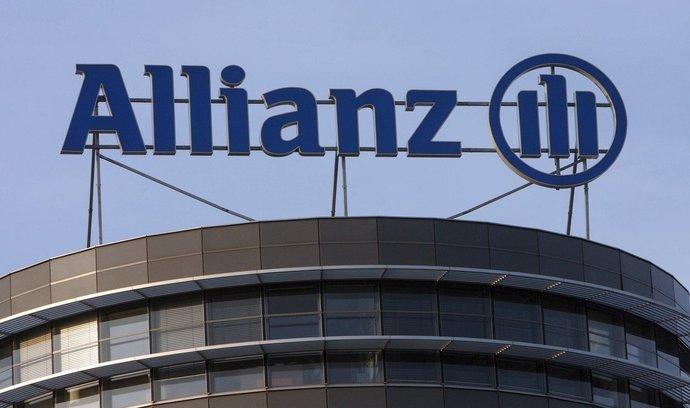 Evropská pojišťovna Allianz loni zaznamenala pokles čistého zisku