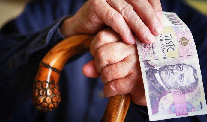 Důchodcům nad 85 let se zvýší důchody