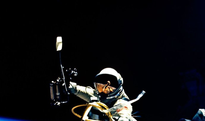 Virtuální realita slouží i školení kosmonautů. Podívejte se, jak takový výcvik probíhá