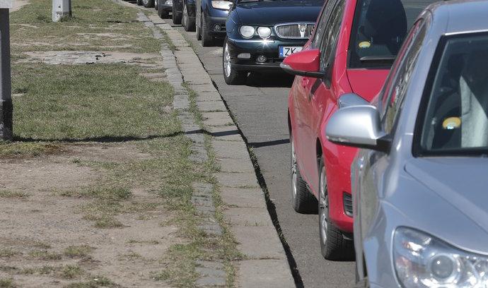 Kampaň vyzývá řidiče k omezení krátkých cest autem po Praze