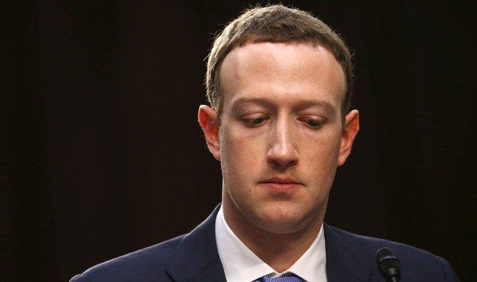 Akcionáři Facebooku brojí proti Zuckerbergovi, chtějí ho odstranit z vedení