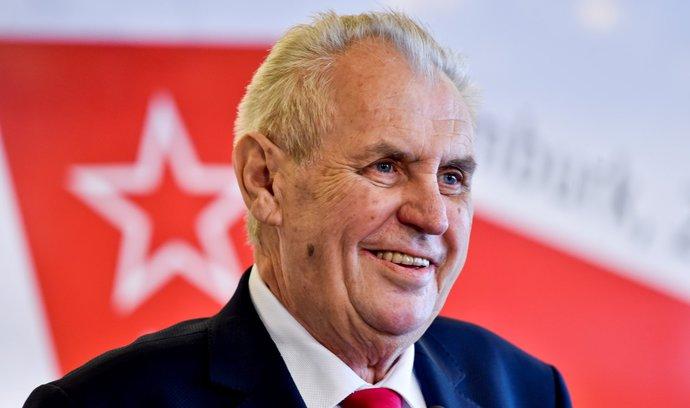 ČSSD navrhla do vlády i Zemanova člověka, tvrdí opozice