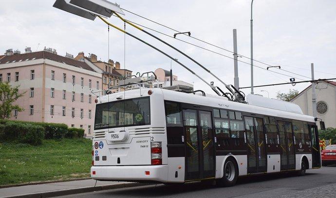 Návrat po půl století: do Prahy se vrací trolejbusová doprava