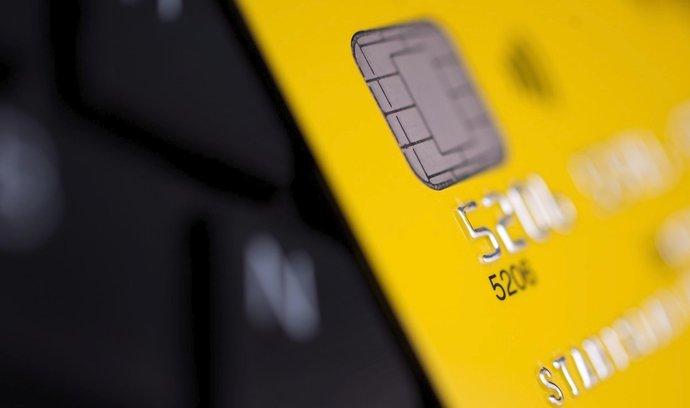 Zajem O Uvery Z Kreditni Karty Je Nejnizsi Za Sedm Let S