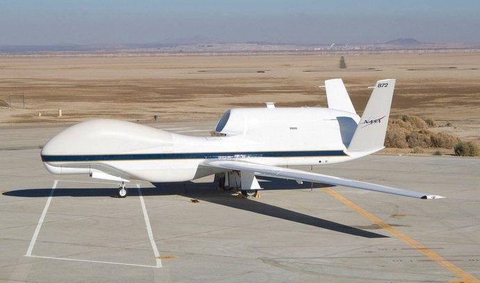 Čína vyvíjí největší dron na světě. Má unést až tunovou zátěž
