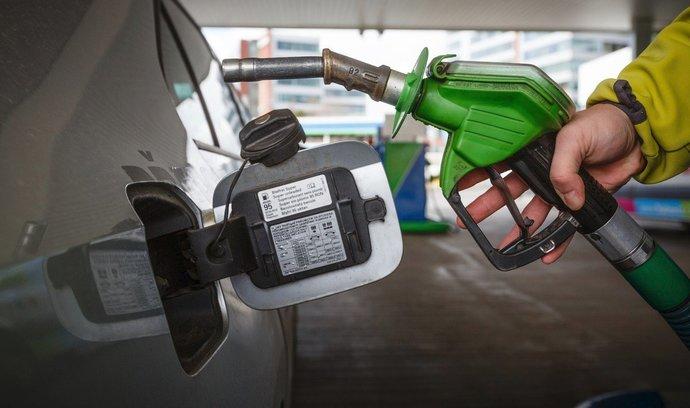 Inflace zrychluje. Meziročně stouply ceny potravin a pohonných hmot