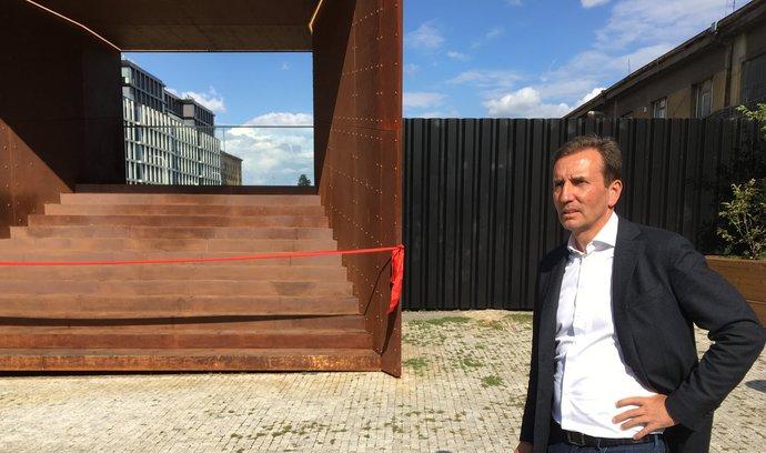 Penta otevřela industriální okno na budoucí staveniště u Masarykova nádraží. Podívejte se
