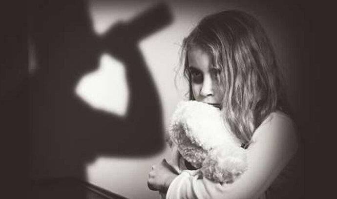 Vědci zjistili, že trauma z dětství poznamená spermie i potomky