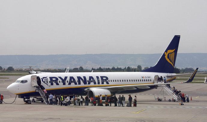 Ryanair ruší stovky letů. Ke stávce se připojí i němečtí piloti