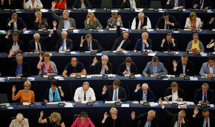 Europarlament odmítl dvojí kvalitu potravin, vyzval ke změně normy o nekalých obchodních praktikách