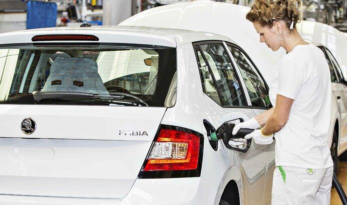 Škoda Auto měla rekordní srpen. Slabší prodeje větších vozů dohnala Fabia