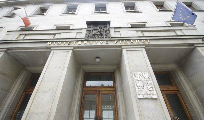Vláda by měla schodek rozpočtu snižovat, ne jen držet současný stav, varuje Národní rozpočtová rada