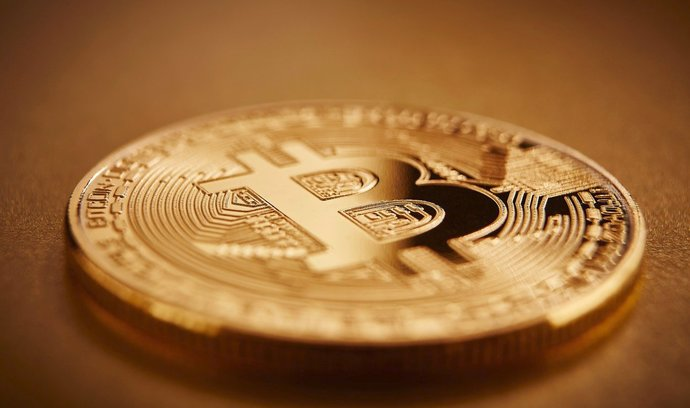 Bitcoin dál prudce klesá, za den odepsal přes 11 procent
