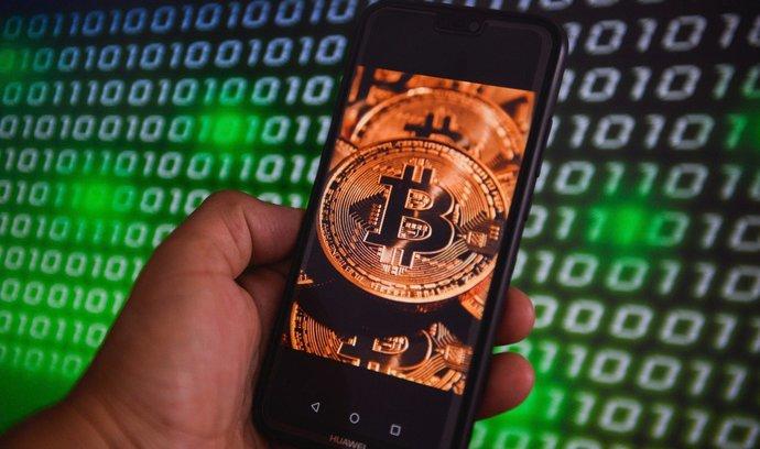Bitcoin slaví desáté narozeniny. Převezme roli zlata, tvrdí jeho propagátoři