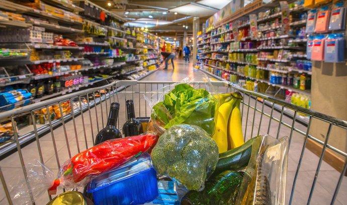 Až třetina potravin v EU je dvojí kvality, ukázala analýza Evropské komise