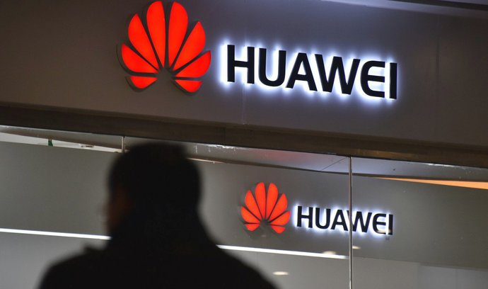 Huawei a ZTE můžete omezit už při zadávání zakázek, píše státní správě kyberúřad
