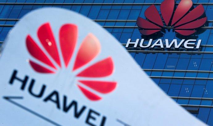 Sinopsis: Huawei svou nezávislost na čínském režimu dokládá analýzou, za kterou stojí straníci
