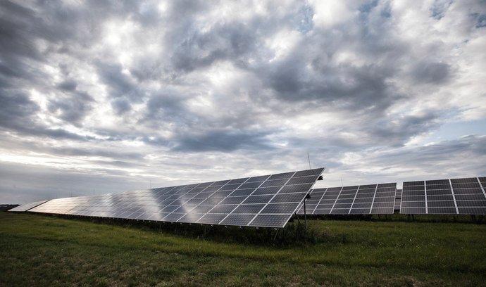 Stát odstranil past na solárníky