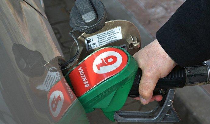 Benzin v Česku je nejlevnější od listopadu 2017