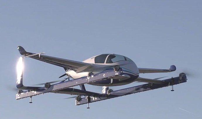 Boeing představil prototyp městského létajícího taxíku. Má za sebou první zkušební let