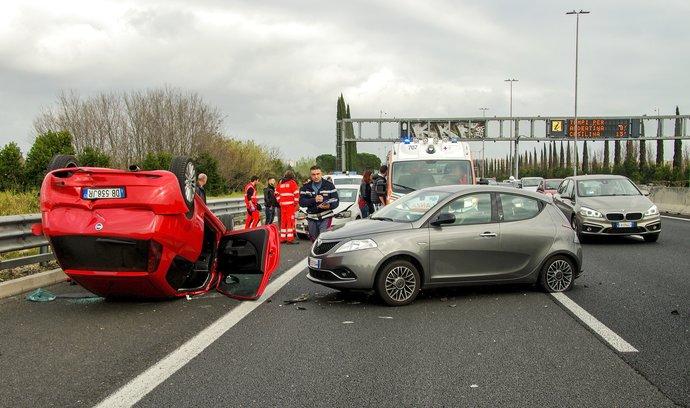 Jak zvládnout autonehodu v zahraničí