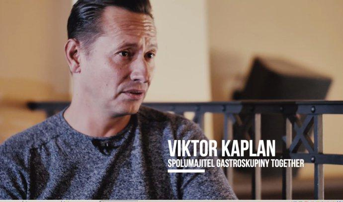 Právnické vzdělání se hodí i v restauraci, říká spolumajitel gastroskupiny Together Viktor Kaplan