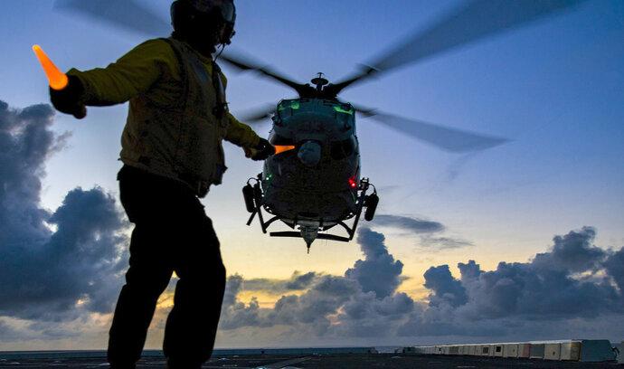 Americký senátor navrhl zablokovat prodej armádních vrtulníků Česku