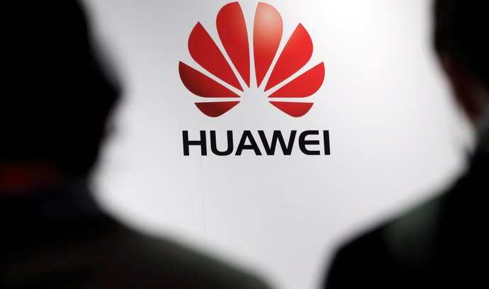 Česká pobočka Huawei sdílí data o obchodních partnerech s čínskou ambasádou, píše Radiožurnál