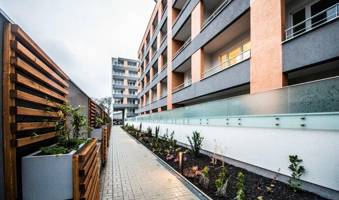 Ceny bytů rostly nejpomaleji za čtyři roky, zvyšuje se zájem o bydlení mimo Prahu