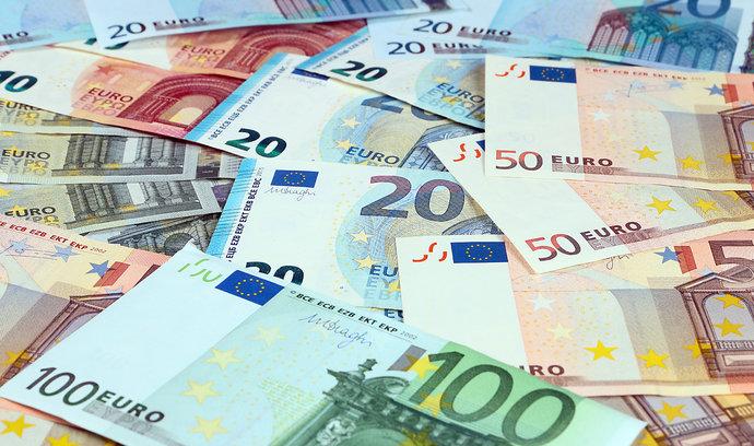 EY: Zahraniční investice v Česku se loni propadly o polovinu. Zájemce odrazují rostoucí mzdy