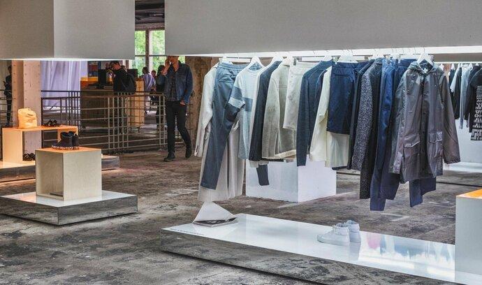 E-shopy s oblečením rozpoutaly bitvu o trh