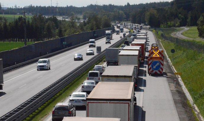 Ministru dopravy schází miliardy. S návrhem rozpočtu nesouhlasí i další rezorty