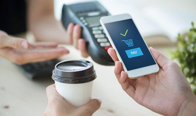 Největší česká banka příští týden spustí Google Pay