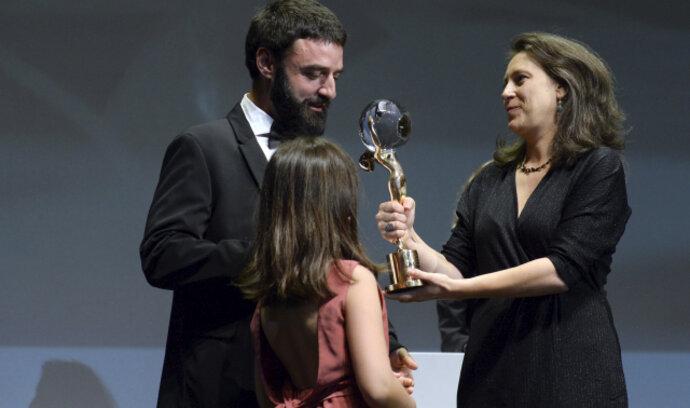 Karlovarský festival vyhrálo bulharské drama Otec. Diváckou cenu si odnesl dokument o Suchém
