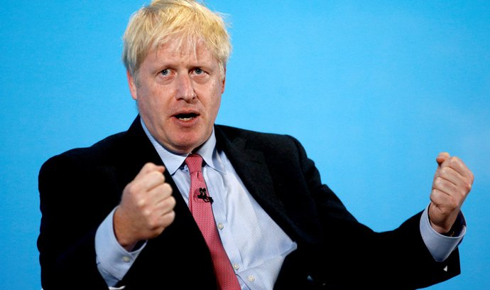 Britský premiér Johnson rekonstruuje vládu. Vyměnil první ministry