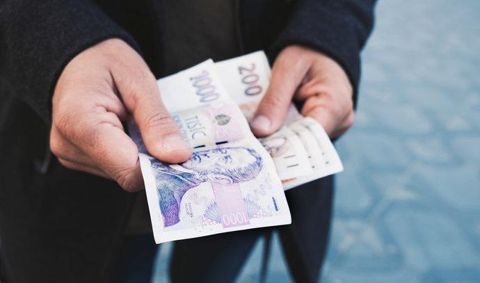 Stát má z exekucí až půl miliardy ročně, tvrdí věřitelé