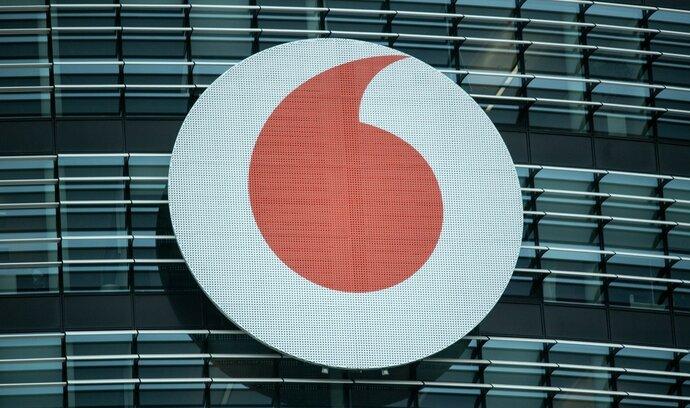 Vodafone v Česku znatelně zvýšil zisk, téměř celý ho pošle matce
