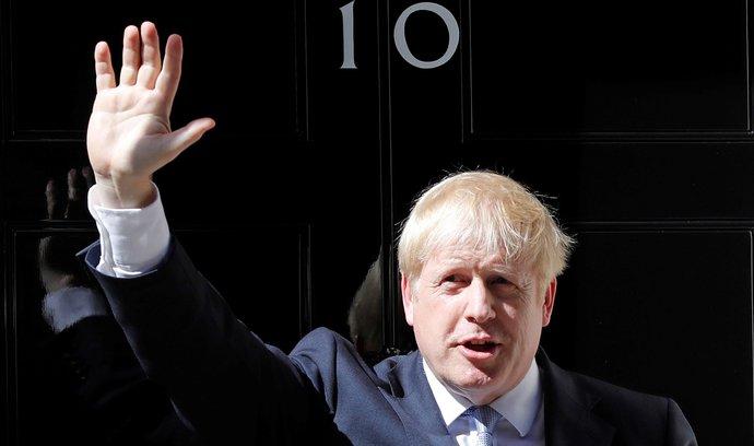 """Komentář Petra Bartoně: Britská """"odstávka"""" parlamentu brexit neovlivní a ekonomice pomůže"""