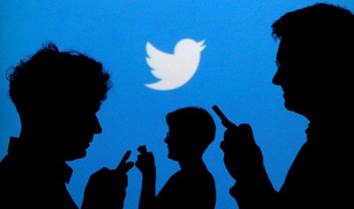 """Twitter """"vyčistil"""" jazyk svých programátorů. Zakázal pojmy jako blacklist nebo master a slave"""