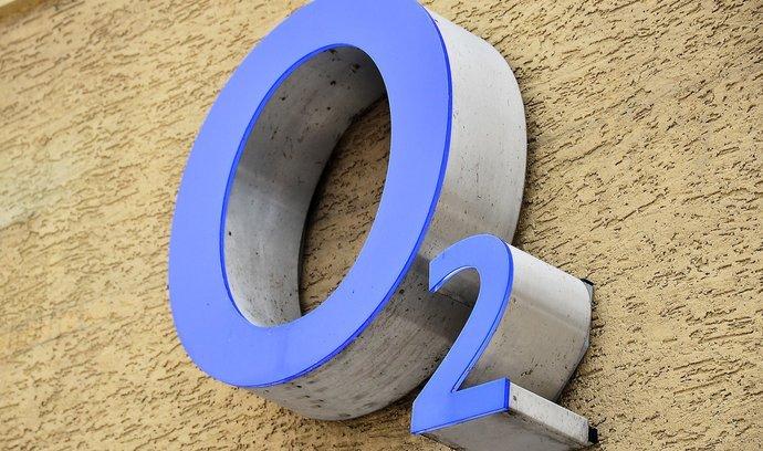 O2 zvýšila za tři čtvrtletí výnosy na 28,6 miliardy, zisk klesl
