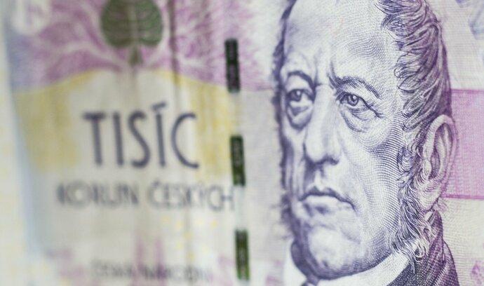 Zájem o odklad splátek klesá, Češi úvěry začínají platit