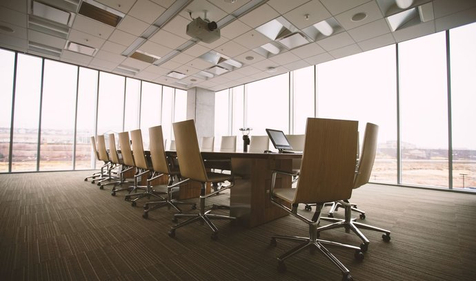 Zakládáte firmu? 5 tipů, jak vyzrát nad byrokracií